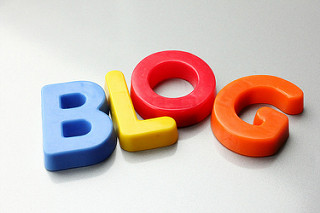 How can keeping a blog benefit a business?